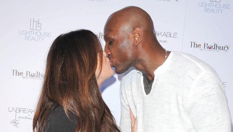 Khloe Kardashian y Lamar Odom besándose