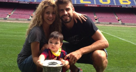 Gerard Piqué, Shakira y Milan con la Supercopa de España 2013 en el Camp Nou