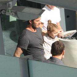 David Beckham y Harper Seven a su llegada a Londres tras sus vacaciones en Los Angeles