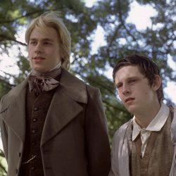 Charlie Hunnam y Jamie Bell en 'La leyenda de Nicholas Nickelby'