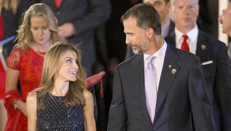 Los Príncipes de Asturias, muy cómplices en la gala inaugural del 125 congreso del COI en Buenos Aires