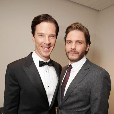 Benedict Cumberbatch y Daniel Brühl en el estreno de 'El quinto poder (Dentro de Wikileaks)' en el Festival Internacional de Cine de Toronto 2013