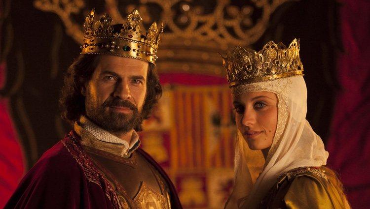 Los Reyes Católicos (Rodolfo Sancho y Michelle Jenner) en la segunda temporada de 'Isabel'