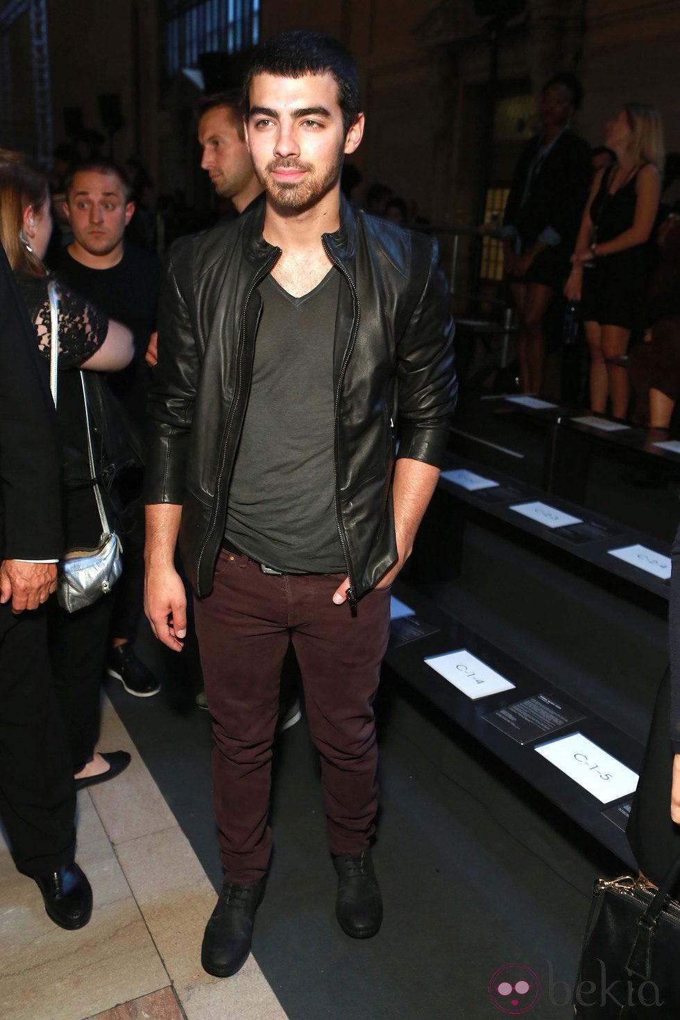 Joe Jonas en el desfile primavera/verano 2014 de Diesel en la Semana de la Moda de Nueva York