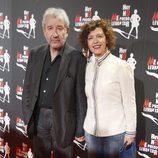 José Sacristán y su mujer en el estreno de 'Hoy no me puedo levantar'
