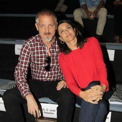 Jordi Rebellón y Alicia Borrachero en el desfile primavera/verano 2014 de Roberto Verino en Madrid Fashion Week