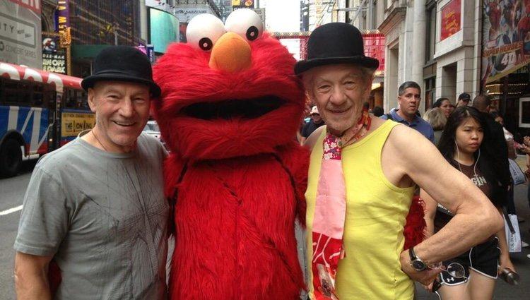 Patrick Stewart, Elmo e Ian McKellen en Nueva York