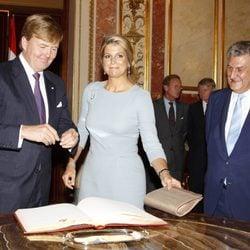Los Reyes de Holanda con Jesús Posada en el Congreso de los Diputados
