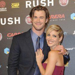 Elsa Pataky y Chris Hemsworth, acaramelados en el estreno de 'Rush' en Roma