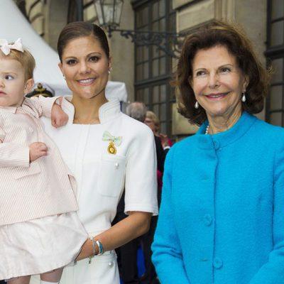 La Reina Silvia y las Princesas Victoria y Estela en el Jubileo del Rey Carlos Gustavo de Suecia