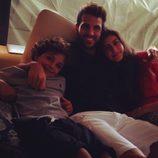 Cesc Fábregas con los hijos de Daniella Semaan y Elie Taktouk