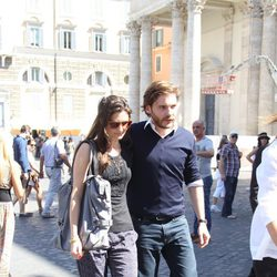 Daniel Brühl con su novia Felicitas Rombold en Roma