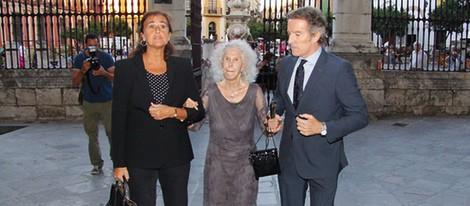 Carmen Tello y los Duques de Alba en la misa funeral de la Duquesa de Medinaceli