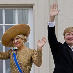 Guillermo Alejandro y Máxima de Holanda en su primera apertura del Parlamento como Reyes
