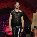 Nicolás Coronado desfilando para Francis Montesinos en Madrid Fashion Week primavera/verano 2014