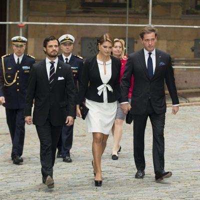 El Príncipe Carlos Felipe, Magdalena de Suecia y Chris O'Neill en la apertura del Parlamento