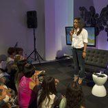 Chenoa con sus fans durante la presentación del disco 'Otra Dirección'