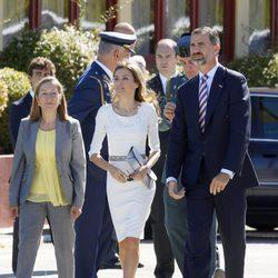 Los Príncipes de Asturias y Ana Pastor antes de recibir a Guillermo Alejandro y Máxima de Holanda