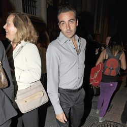 Enrique Ponce en el funeral de la Duquesa de Medinaceli