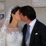 Félix de Luxemburgo y Claire Lademacher se besan tras su boda religiosa