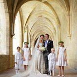 Félix de Luxemburgo y Claire Lademacher con sus pajes tras su boda religiosa