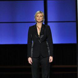 Jane Lynch rinde homenaje póstumo a Cory Monteith en los Emmy 2013