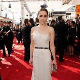 Emilia Clarke en la alfombra roja de los Emmy 2013