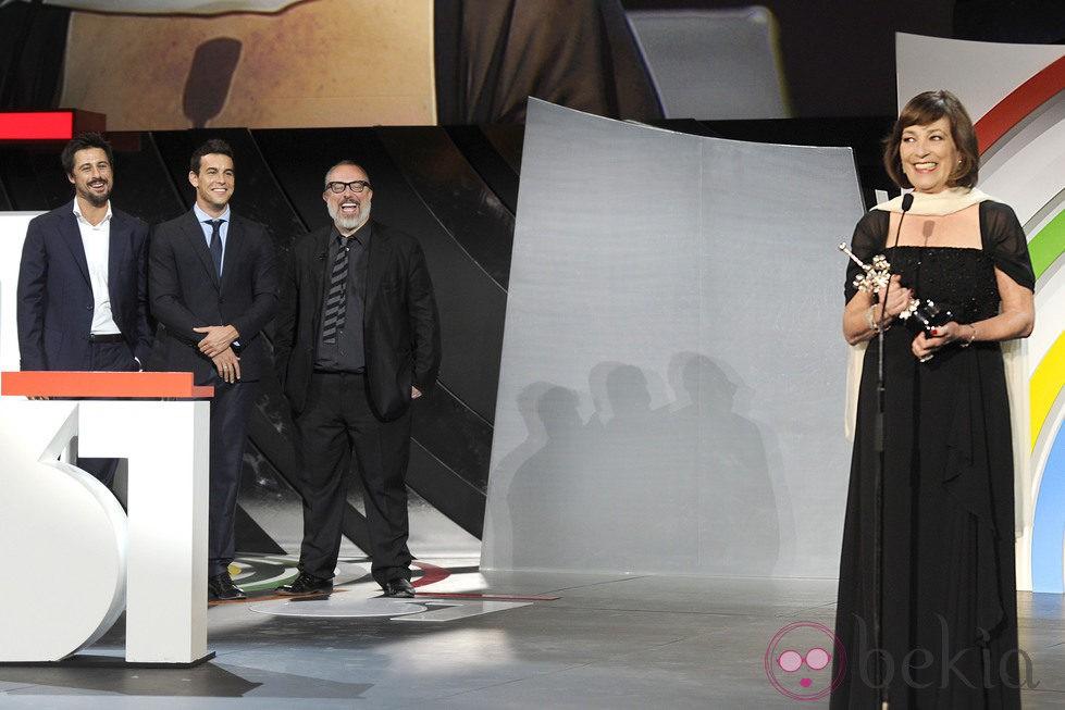Álex de la Iglesia, Hugo Silva y Mario Casas entregaron el Premio Donostia 2013 a Carmen Maura