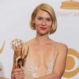 Claire Danes con su Emmy 2013 a Mejor actriz de drama