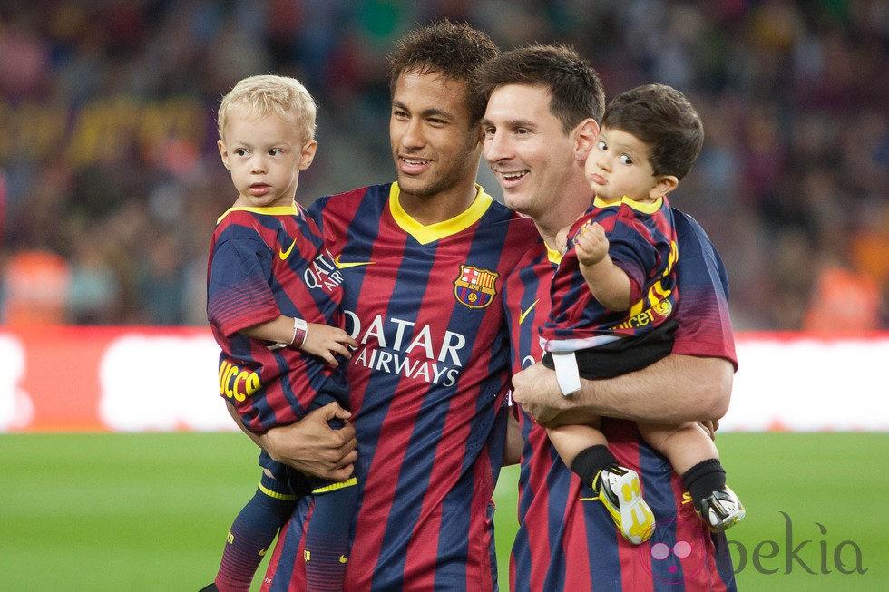 Leo Messi Y Neymar Con Sus Hijos Thiago Y David Lucca