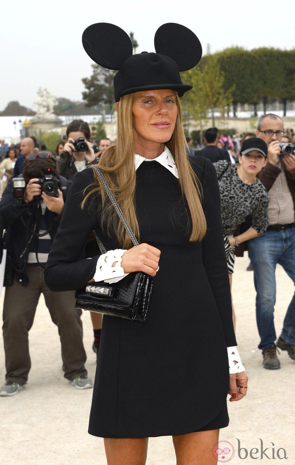 Anna Dello Russo en el desfile de Viktor & Rolf en la Semana de la Moda de París primavera/verano 2014
