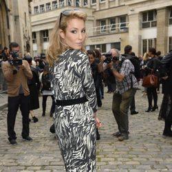 Noomi Rapace en el desfile de Giambattista Valli en la Semana de la Moda de París primavera/verano 2014
