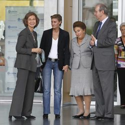 La Reina Sofía con la Infanta Margarita y María Zurita en el Hospital Quirón de Madrid