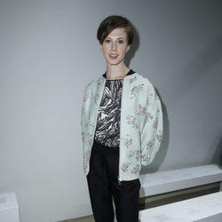 Elettra Rossellini en el desfile de Giambattista Valli en la Paris Fashion Week