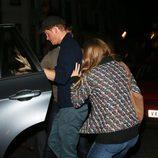 El Príncipe Harry y Cressida Bonas se esconden tras el concierto de James Blunt