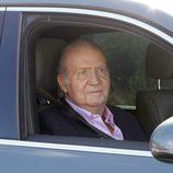 El Rey Juan Carlos sale del Hospital Quirón tras recibir el alta