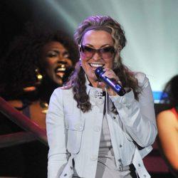 Anastacia en un concierto ofrecido en Bélgica