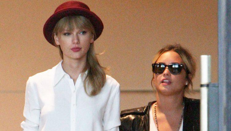 Demi Lovato y Taylor Swift, de compras por Beverly Hills