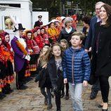 Mary de Dinamarca con sus hijos Christian e Isabel en un musical