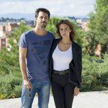 Hugo Silva y Megan Montaner en el rodaje de 'Dioses y perros'