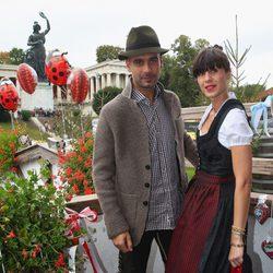Pep Guardiola y Cristina Serra celebrando el Oktoberfest 2013