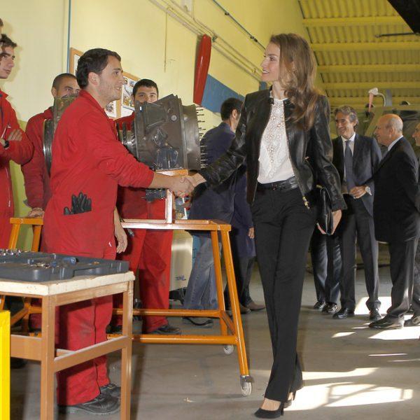 La princesa de asturias saluda a unos alumnos en la - Cursos cocina asturias ...