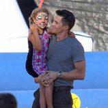 Olivier Martínez lleva a Nahla Aubry al parque de calabazas tras convertirse en padre
