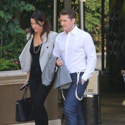 Matthew Morrison a la salida de un restaurante de 'Los Ángeles'