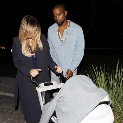Kim Kardashian y Kanye West paseando con North West por Los Ángeles