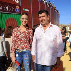María Jesús Ruiz y José María Gil Silgado en una corrida benéfica en La Puebla del Río