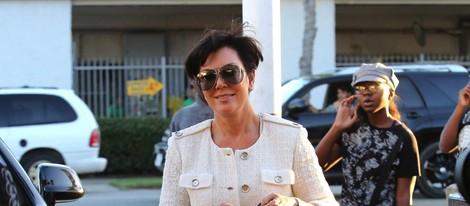 Kris Jenner llegando a un restaurante de Los Ángeles