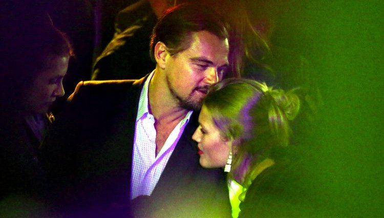 Leonardo DiCaprio y Toni Garrn, muy cariñosos de fiesta