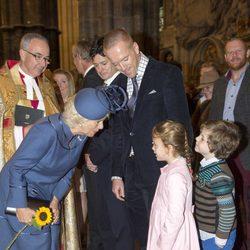 La Duquesa de Cornualles con Damian Lewis y sus hijos en una misa en la Abadía de Westminster