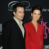 Kate Beckinsale y Len Wiseman en The Pink Party 2013